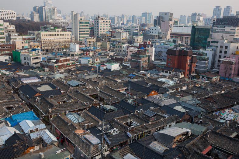 [구자룡의 본질을 꿰뚫는 마케팅] 익선동 한옥 마을의 현재와 미래 : 마을 마케팅 관점에서